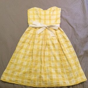 Lilly Pulitzer Dresses - Yellow plaid Lilly Pulitzer Strapless sundress